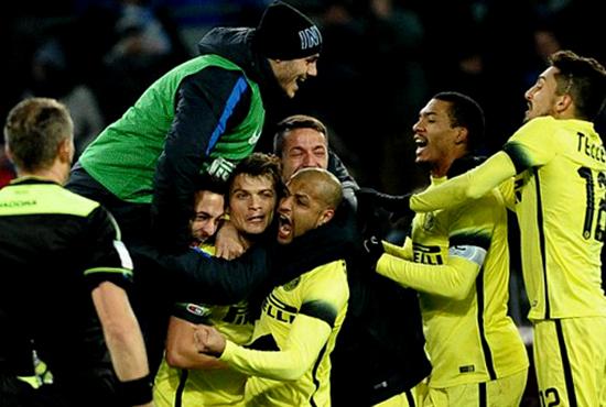 Inter Milan Lolos Ke Semifinal Coppa Italia Setelah Menyingkirkan Napoli 2 - 0